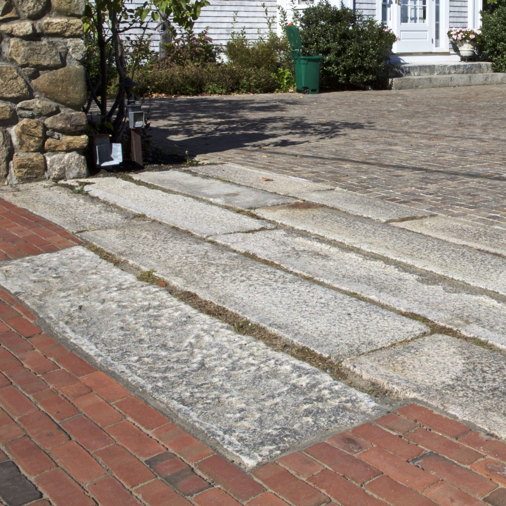 stone_curators-reclaimed_granite_curbstone_driveway_apron