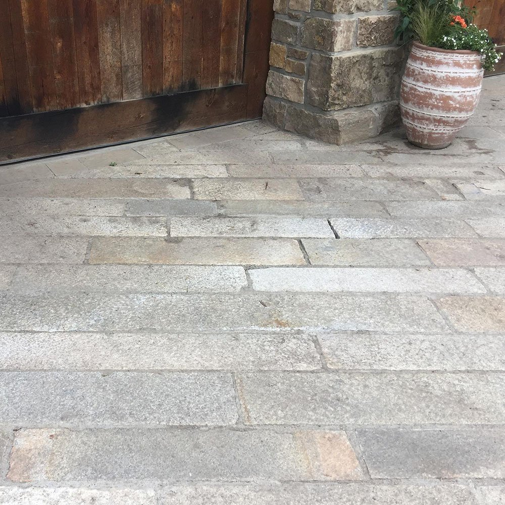 Reclaimed-foot-worn-plank-paver-driveway-1000x1000-1