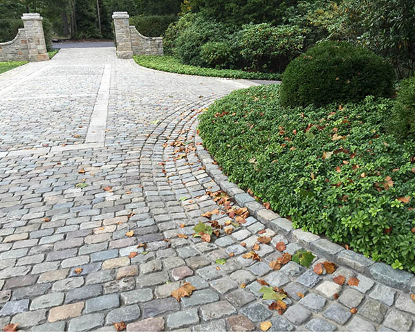 Reclaimed European Sandstone Driveway Stone Curators