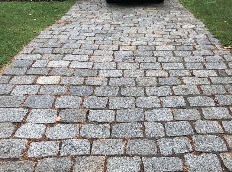 Reclaimed New England Cobblestones Medium driveway pavers - Stone Curators