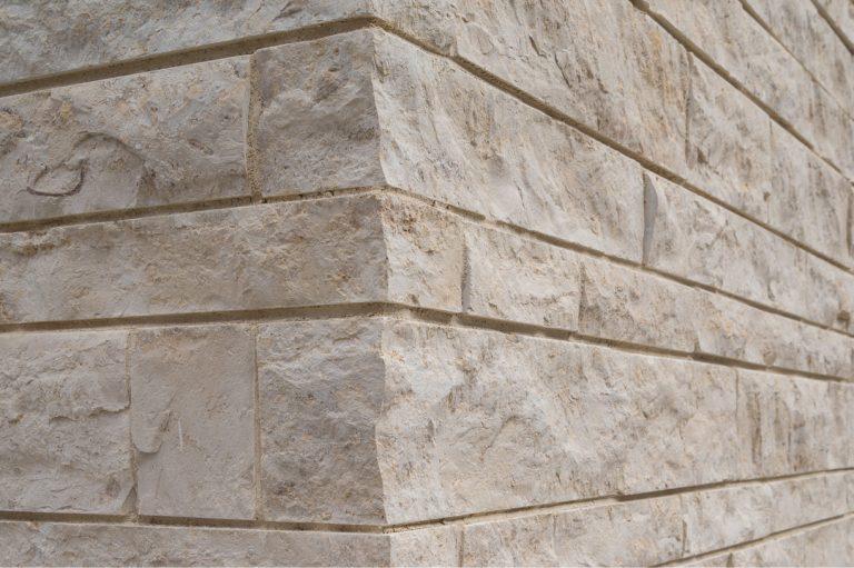 Stone-Curators_Rockfaced-veneer-wall-5