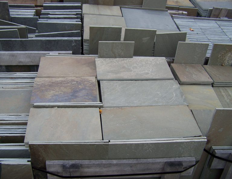 Stone-Curators-Bluestone-full-color-dimensional-cut-pavers-in-pallets