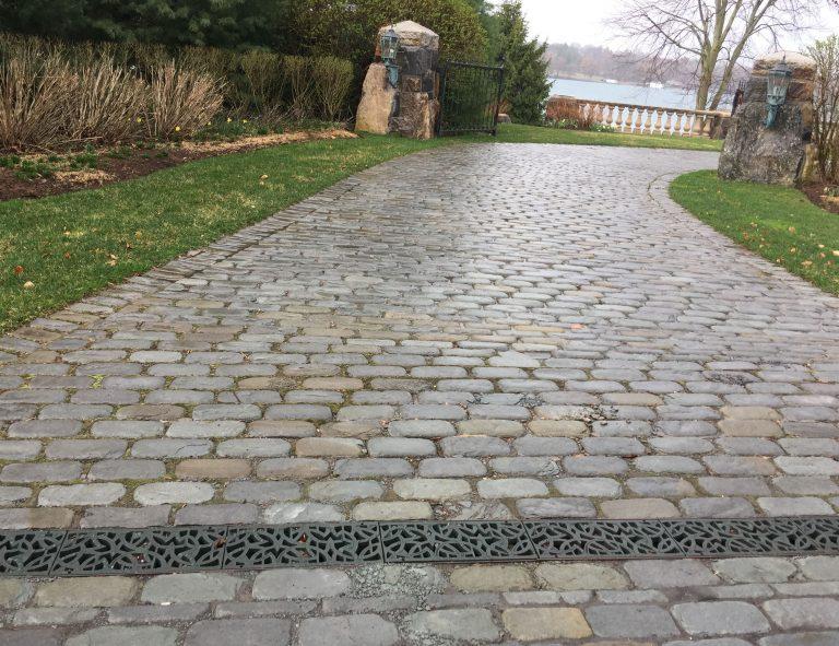 Stone-Curators-Bluestone-full-color-tumbled-cobblestone-driveway-IMG_5382