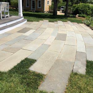 Stone-Curators-Bluestone-natural-cleft-clear-color-mix-patio