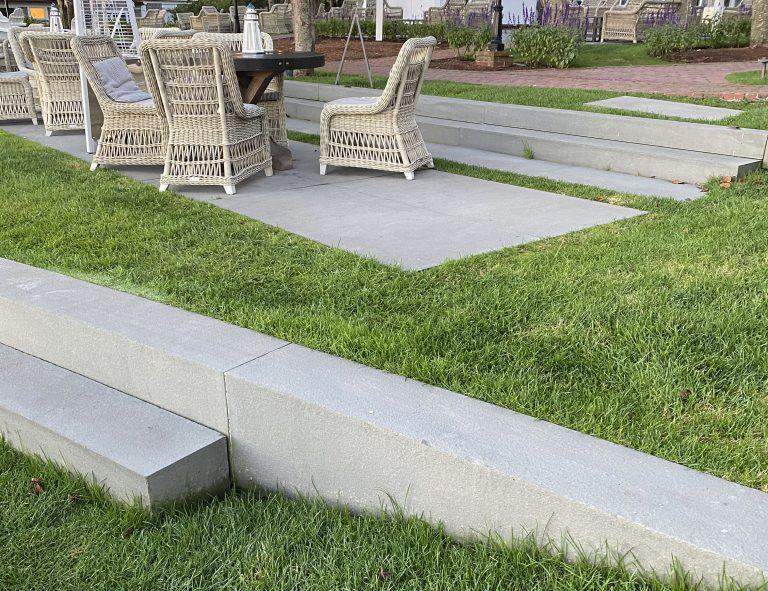 Stone-Curators-Bluestone-thermal-blue-gray-lawn-steps-IMG_0761