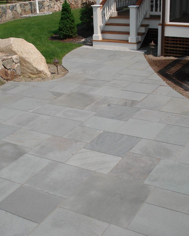 Stone-Curators-Bluestone-thermal-blue-gray-patio-patio3