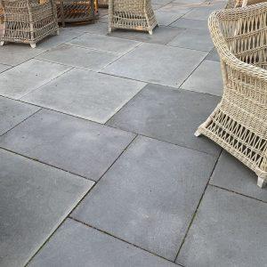 Stone-Curators-Bluestone-flamed-gray-blue-dimensional-cut-pavers-IMG_0788-1