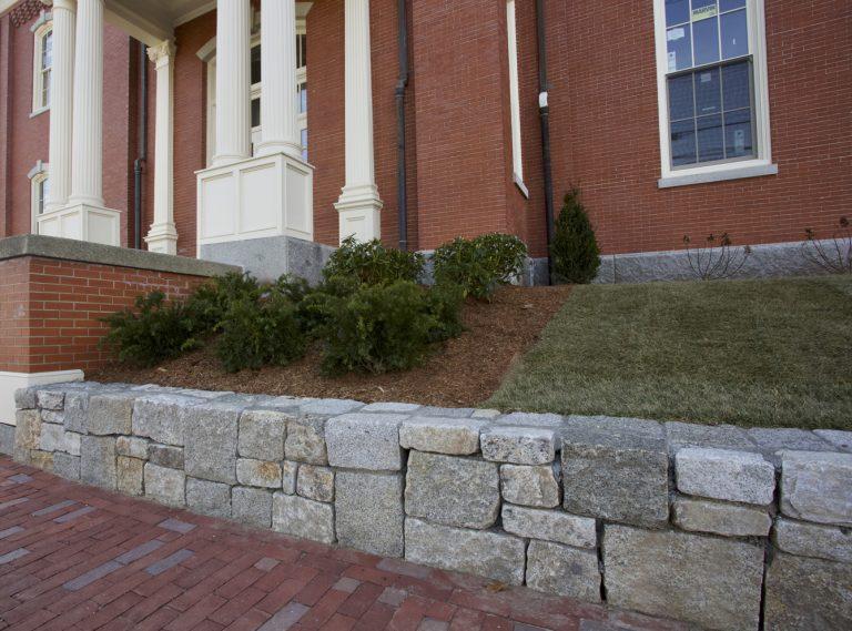Split granite mix wallstone, stone wall